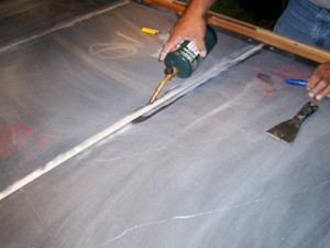 Leveling pool table slate