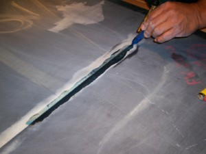 Perfect seams at joints by leveling pool table slate